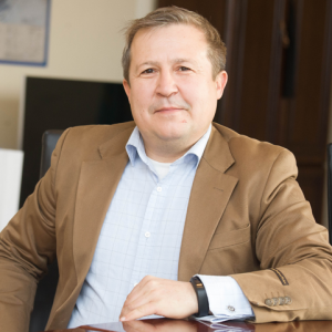 Ринат Искаков